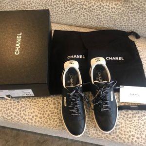 CHANEL women's black sneaker 🖤🤍🖤🤍
